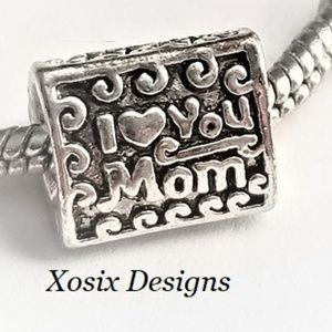 European I Heart Mom Charm Bead